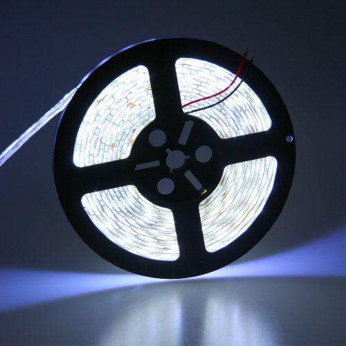 LED juosta 12V 18W/m hermetiška IP65 dienos šviesa 1