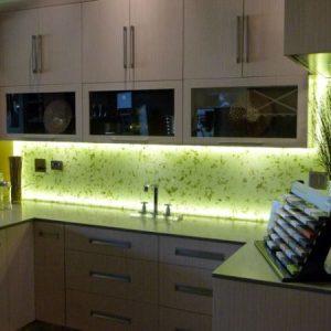 LED juostos komplektas virtuvei 17w 1m