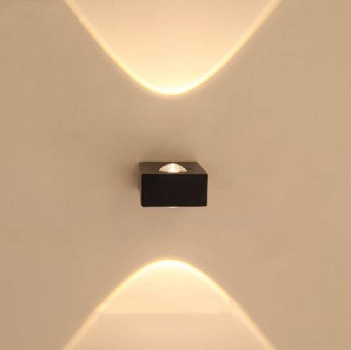 LED sieninis šviestuvas 6W juoda spalva 1